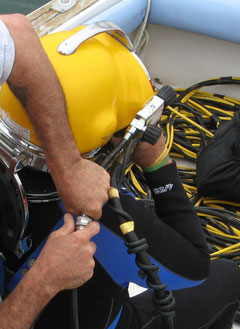 rigging a diver for surface-supplied dive