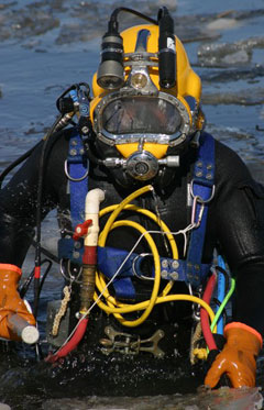diving for underwater UXO
